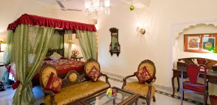 The Royal Suites at the Madhuban are amongst the finest rooms in Jaipur, beautifully appointed with period furniture